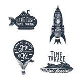 Entregue o grupo de etiquetas textured tirado do vintage de labe temático de viagem ilustração stock