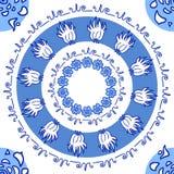 Entregue o ornamento azul redondo decorativo tirado com flores e natur Imagem de Stock Royalty Free