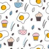 Entregue o teste padrão sem emenda tirado com ovos fritos, café e queques Fundo do café da manhã Ovos Scrambled Omeleta imagem de stock royalty free