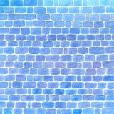 Entregue a parede tirada da aquarela feita do fundo azul dos tijolos imagens de stock royalty free