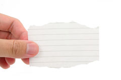 Entregue prender uma parte de papel para cartas em branco foto de stock royalty free