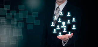 Entregue a rede levando do ícone do homem de negócios - trabalhos de equipa da hora e conceito da liderança fotografia de stock royalty free