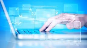 Entregue teclado tocante com elevação - botões da tecnologia Imagens de Stock Royalty Free