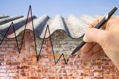 Entregue a tiragem de um gráfico sobre as edições que relacionam o asbesto imagem de stock royalty free