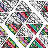 Entregue a triângulo colorido tirado da garatuja o teste padrão sem emenda étnico Fotos de Stock