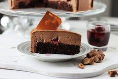 Entremet del dolce della mousse e della ciliegia di cioccolato Fotografia Stock Libera da Diritti