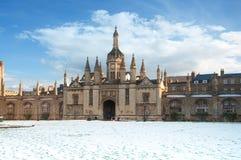 Entrenace para afrontar la corte en College de rey, Universidad de Cambridge imágenes de archivo libres de regalías