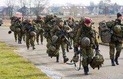Entrenamiento armado de las fuerzas especiales Imagen de archivo