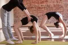 Entrenamiento de las bailarinas Vida adolescente del deporte Imagen de archivo libre de regalías