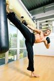 Entrenamiento de los artes marciales fotos de archivo