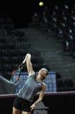 Entrenamiento de Simona Halep del jugador de tenis antes de un partido fotografía de archivo