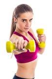 Entrenamiento del boxeo con pesa de gimnasia Imágenes de archivo libres de regalías