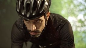 Entrenamiento del ciclista para el Tour de France almacen de video
