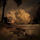 Entrenamiento del deporte del arte marcial en piscina del templo Fotografía de archivo libre de regalías