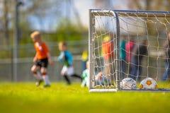 Entrenamiento del fútbol de la juventud Fotos de archivo
