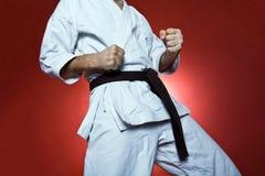 Entrenamiento del karate, ejercicio en la gimnasia foto de archivo libre de regalías