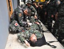 Entrenamiento del paramédico de la policía Fotos de archivo libres de regalías