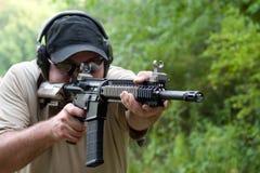 Entrenamiento del rifle con Calibre 308 Foto de archivo