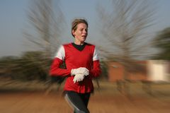 Entrenamiento femenino del atleta Imágenes de archivo libres de regalías
