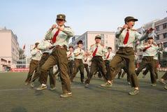 Entrenamiento militar 12 de los estudiantes universitarios de China Fotos de archivo