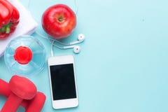 Entrenamiento y aptitud que adietan, concepto de planificación de la dieta del control Foto de archivo