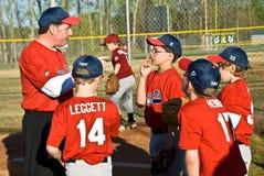 Entrenar béisbol de la liga pequeña Imagen de archivo libre de regalías