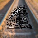 Entrene al fondo con la locomotora vieja con los carros y viaje de tren feliz del texto en etiqueta del humo en la foto de la fal Imagenes de archivo