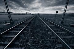 Entrene a la pista en horizonte Fotografía de archivo