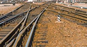 entrene a las vías en el ferrocarril del pasajero de Járkov, Ucrania Imagen de archivo libre de regalías