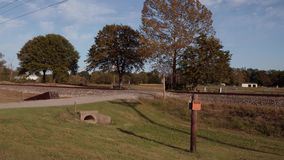 Entrene a las vías a lo largo de Route 66 histórico en Oklahoma