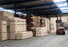 Entrepôt de bois de charpente Photographie stock libre de droits