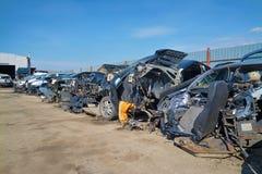 Entrepôt de ferraille de voiture photos stock