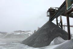 Entrepôt de pierre et de charbon, pierres de carrière Photo stock