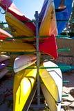 Entreposage à l'air ouvert de canoë Photos stock