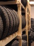 Entreposage des pneus utilisé photo stock