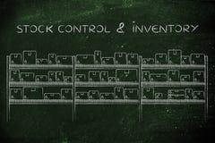Entreposez les étagères avec des produits dans des boîtes, contrôle des stocks et les inventez image libre de droits