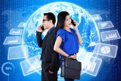Entreprenörer och global finansgraf royaltyfria foton