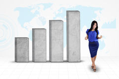 Entrepreneur réussi avec le graphique de gestion Photos stock