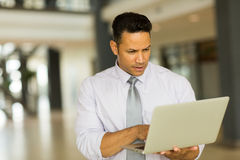 Entrepreneur working on laptop Royalty Free Stock Photos