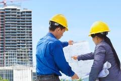 Entrepreneurs et projets de construction Image libre de droits