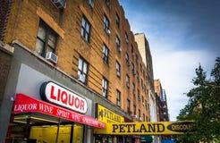 Entreprises sur la 23ème rue en Chelsea, Manhattan, New York Photos stock