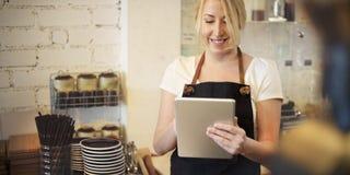 Entretenez le concept de portion de Cafe Coffee Shop de barman de restaurant Images libres de droits