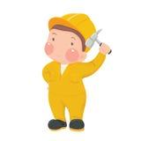 Entretenez le travailleur dans l'usage jaune de travail avec le marteau Photographie stock libre de droits