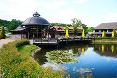Entretenimento e centro recreativo Belmontas com vários salões Imagem de Stock