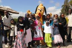 Entretenimiento de los payasos en Nairobi Kenia Foto de archivo libre de regalías