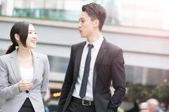 Entretien d'hommes d'affaires à Hong Kong Photo libre de droits
