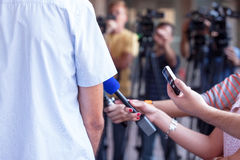 Entrevista da tevê Conferência de imprensa imagens de stock royalty free