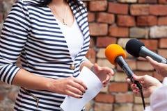 Entrevista de los medios Imagenes de archivo