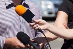 Entrevista de los medios Micrófono Imagenes de archivo