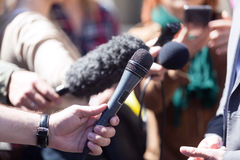 Entrevista dos meios Imagens de Stock Royalty Free